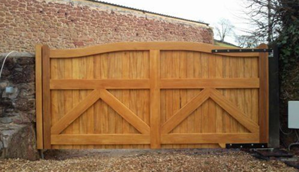 Wooden Electric Gates Torquay